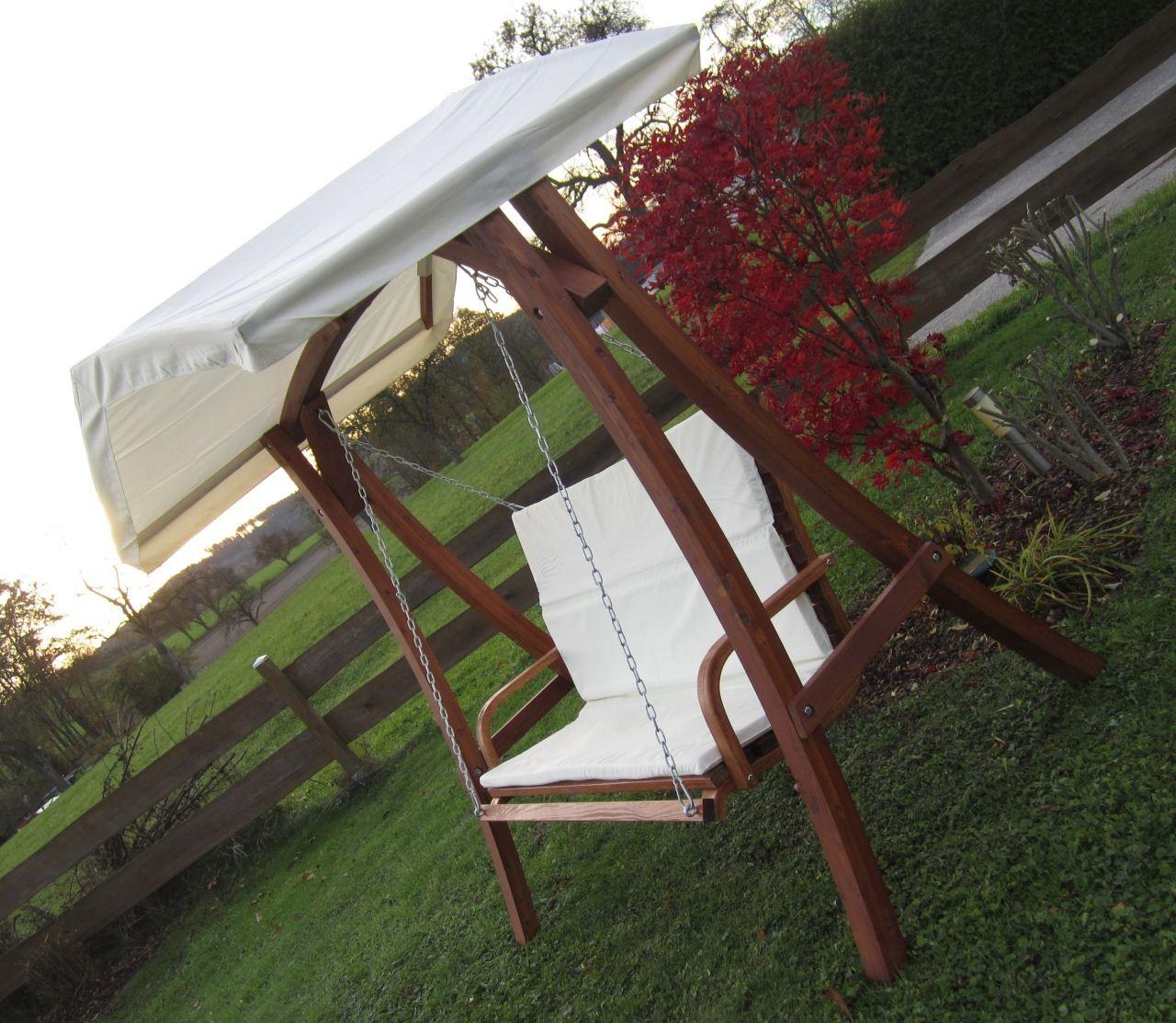 design hollywoodschaukel aus holz l rche model kuredo mit dach ebay. Black Bedroom Furniture Sets. Home Design Ideas