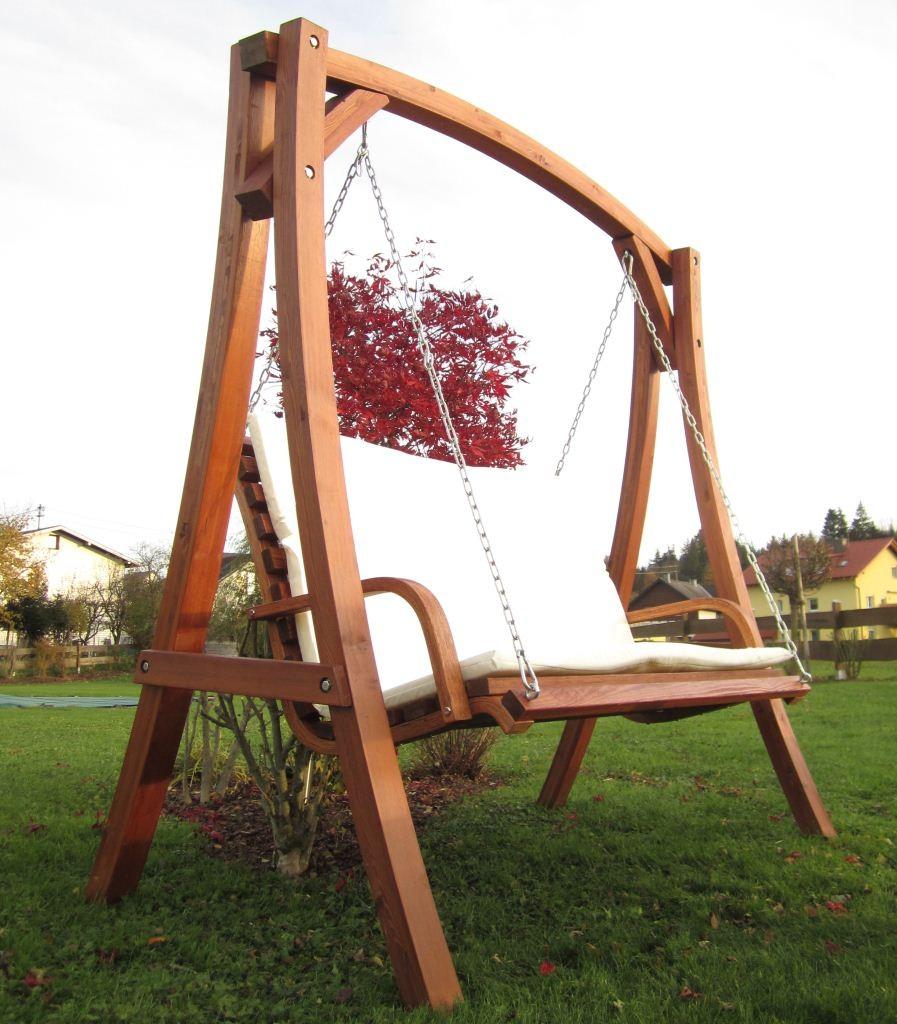 design hollywoodschaukel aus holz l rche model kuredo. Black Bedroom Furniture Sets. Home Design Ideas