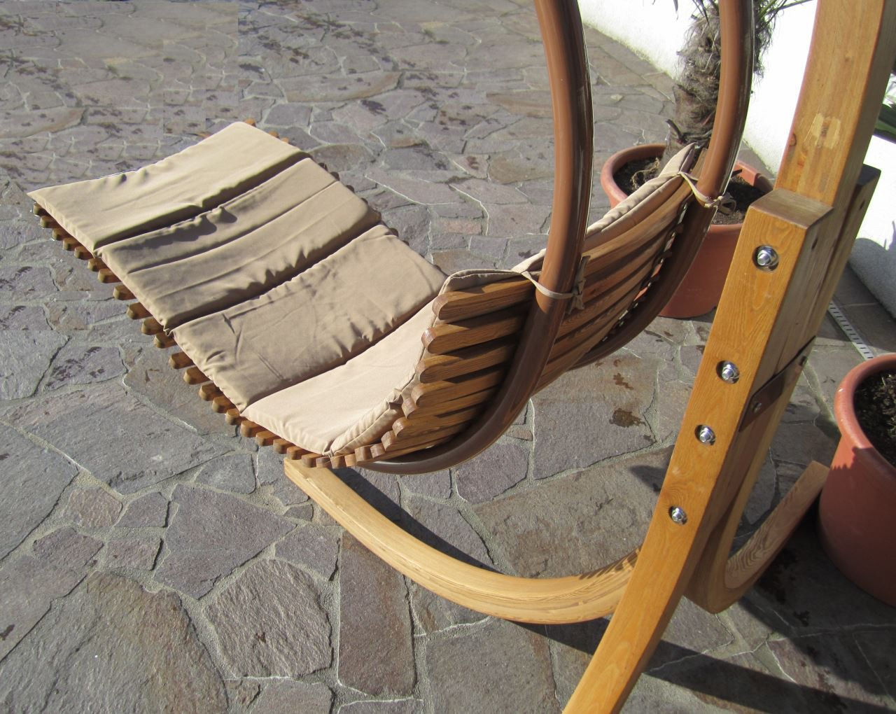 design h ngesesselgestell navassa aus holz l rche komplett. Black Bedroom Furniture Sets. Home Design Ideas